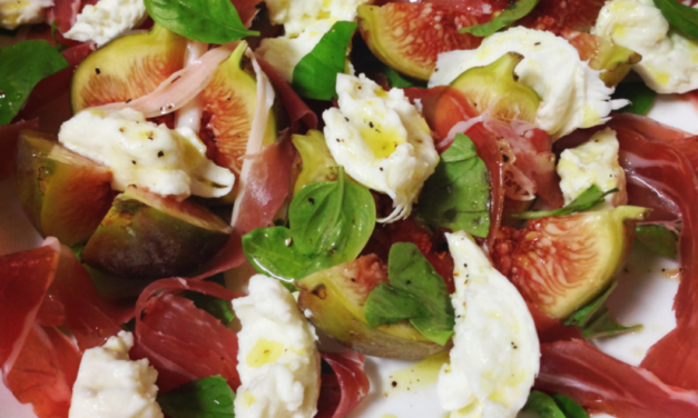 Fig, Prosciutto and mozzarella Cheese Salad