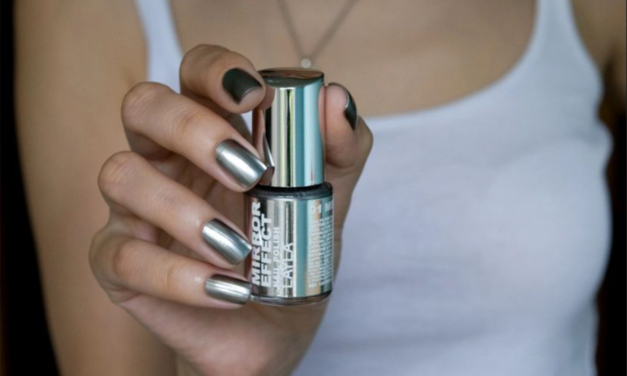 5 ways to get mirror nails